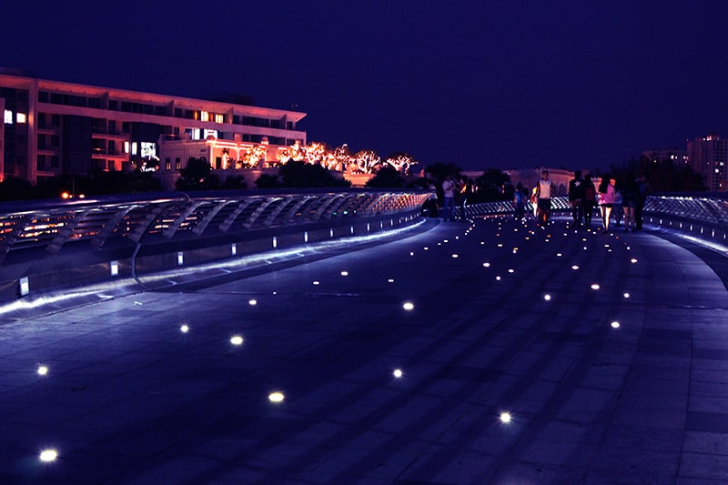 Đến cầu Ánh Sao cùng người yêu về đêm