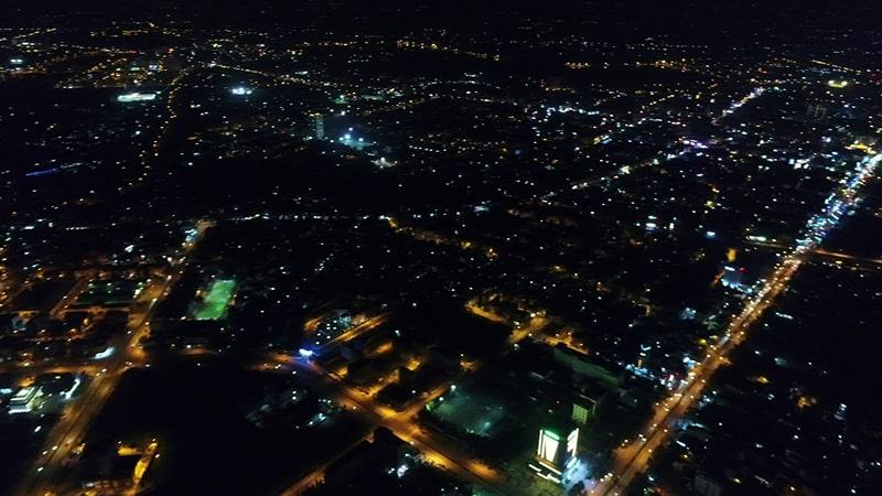 Ngắm Sài Gòn về đêm từ Bitexco
