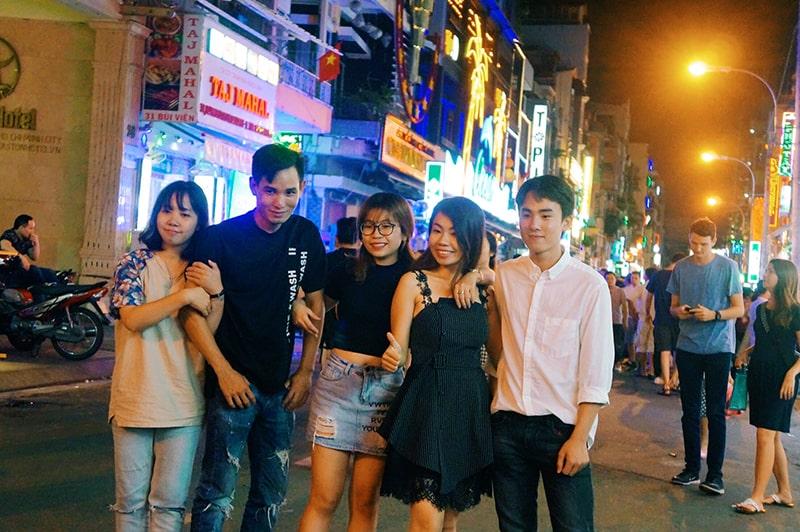 Phố Tây Bùi Viện là địa điểm vui chơi nổi tiếng ở Sài Gòn