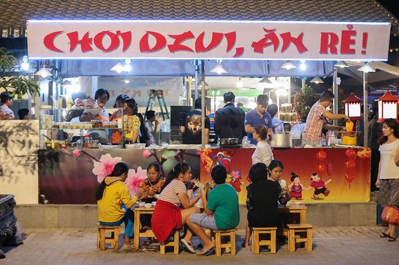 Ăn đêm ở Sài Gòn là 1 trải nghiệm rất thú vị