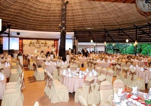 Tiệc cưới được tổ chức tại Văn Thánh