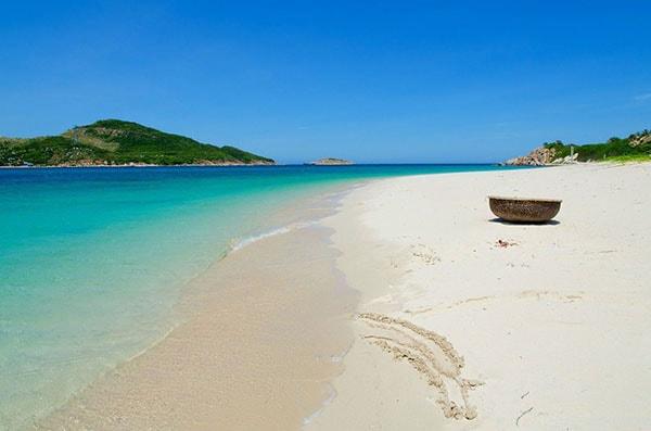 Bãi biển Ninh Chữ - Ninh Thuận