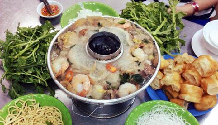 Lẩu Cá Dân Ích là món ăn phù hợp cho cuối tuần ở Sài Gòn