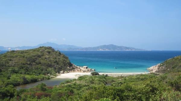 Bãi Nước Ngọtlà 1 trong những bãi biển đẹp nhất ở Ninh Thuận