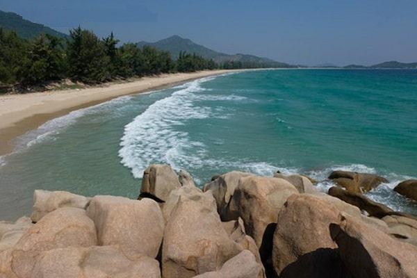 Biển Bình Tiênlà 1 trong những bãi biển đẹp nhất ở Ninh Thuận