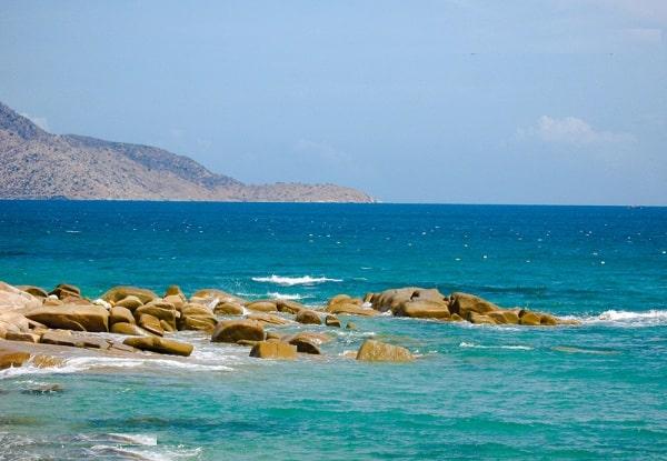 Biển Cà Ná là 1 trong những bãi biển đẹp nhất ở Ninh Thuận