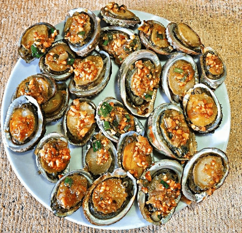 Đến Phú Quốc thưởng thức món bào ngư nướng vàng ươm