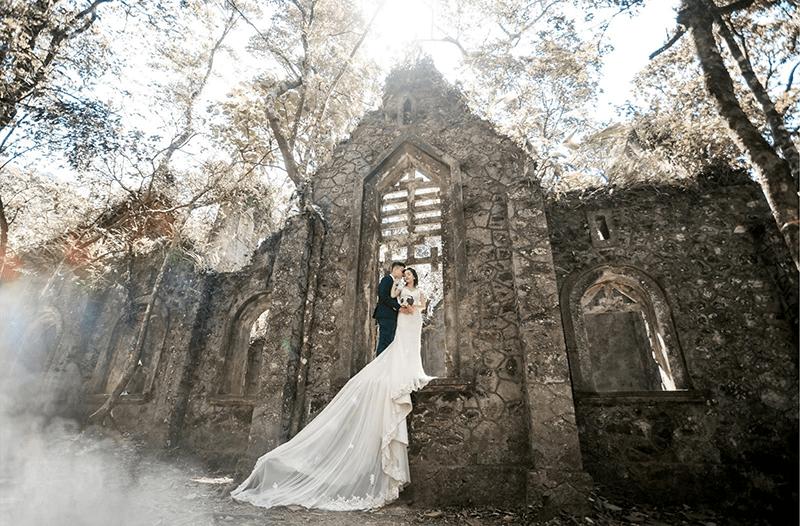 Shoot hình cưới phong cách ma mị tại nhà thờ Đổ